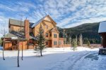Exterior - Red Hawk Lodge - Gondola Resorts