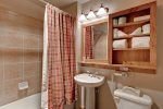 Bathroom - 1 Bedroom - Red Hawk Lodge - Gondola Resorts