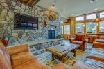Lobby/Common Area - Black Bear Lodge - Keystone CO