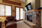 Living Room w/ Walk-Out Patio - Arapahoe Lodge 8105 - Keystone CO