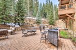 Wonderful Outdoor Firepit and Patio Area - The Timbers - Keystone CO