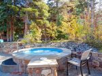 Patio and outdoor amenities at Mountain Thunder Lodge
