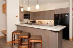 Private Indoor Hot Tub - 2 Bedroom Ski-In Condo - Chateaux DuMont - Keystone CO