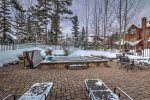 Outdoor Hot Tubs - Seasons Town Homes - Keystone CO