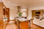 Kitchen - Studio plus Den Residence - Solaris Residences Vail