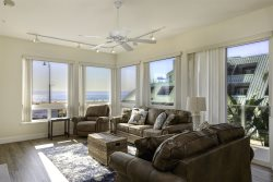 LOVELY BEACH FRONT CONDO IN PISMO BEACH