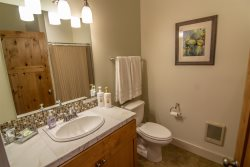 Sisters Lodging Executive Suite