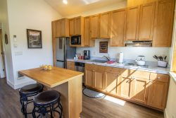 Kitchen Sisters Lodging Executive Suite