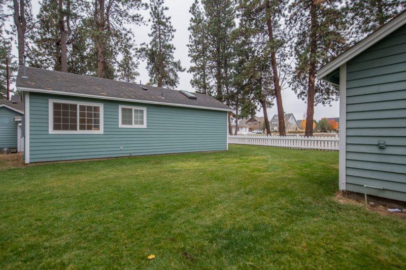 Sisters Oregon Vacation Rental Home - Cascade Mountain Views