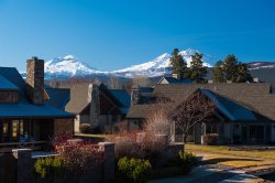 Location! Location! With some of the best views of the Cascade Mountains in Sisters. Air Conditioned 2 bdrm vacation condo in Pine Meadow Village.