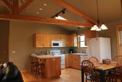 Sisters Oregon vacation cabin rental dining room\/kitchen