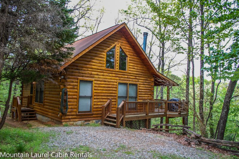 Incroyable BREEZY MOUNTAIN VIEW  2 BEDROOM, 2 BATH, SLEEPS 6, CABIN HAS A BEAUTIFUL  MOUNTAIN VIEW AND COMMUNITY LAKE ACCESS, HOT TUB, WIFI, PET FRIENDLY, WOOD  BURNING ...