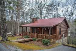 AMAZING GRACE- 2 BR/1BA, Lake Access, Hammock, Hot Tub, Fire Pit, Cable TV, WIFI, Gas Log Fireplace, Picnic Table, Games In Family Room Starting At $115/night!