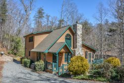 LUCILLE'S CREEKSIDE HIDEAWAY:  3BR/3BA Creek Front Cabin with Pool Table, Satellite TV, Hot Tub, Foosball, Gas Log Fireplace, Outdoor Fire Pit, Sleeps 8, Starting at $120 a night!