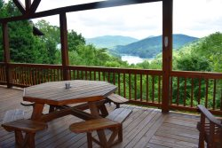 LIGHT'S MOUNTAIN LAKE OVERLOOK - Starting At $350/night!