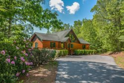 BELLA VISTA- Beautiful 4Br/ 4Ba Cabin, Long Range Mountain View, Fire Pit, Hot Tub, Gas Grill, Gas Log Fireplace, Pool Table, Foosball, Ping Pong, WIFI, Sleeps 9, Starting At $160 a Night!