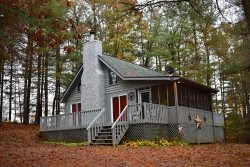 APPALACHIAN ESCAPE - Adorable 2Br/2Ba, Pet Friendly Cabin! Hot Tub, Screened Porch, Private Location, Gas Log Fireplace, Starting At $79/night!