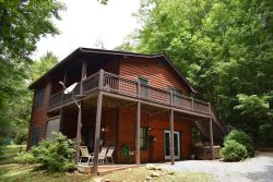 LITTLE ROCK CREEK RETREAT:  4BR/2BA, Sleeps 8, Motorcycle Friendly, WiFi, Fire-Pit, Gas Grill, Hot Tub, Pet Friendly, Pool Table, Secluded, Wooded, Starting at $100 a night