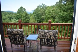 FORTUNE SEEKERS- 2BR / 2BA, Sleeps 5, Aska Adventure Area, Chiminea, 2 Gas Log Fireplaces, Jacuzzi Tub, Mountain View, Pool Table, Borders National Forrest, Starting at $116 a night