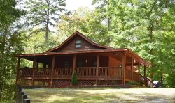 SKIP TO THE LAKE: 3BR/2BA, Sleeps 10, Steps from Lake Blue Ridge, Hot Tub, Fire-Pit, King Bed, Gas Log Fireplace, Gas Grill, Screened Porch, Secluded, Wooded View, Paved Access,  Starting at $132 a night