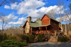 WOLF MOUNTAIN HIDEAWAY:   4BR/3BA, sleeps 10, 2 Gas Log Fireplaces, Beautiful Outdoor Wood Burning Fireplace, Outdoor Fire-Pit,  Foosball, Gas Grill, Hot Tub, Wifi, Mountain View, Small Dogs, Wooded View, Motorcycle Friendly Paved Access, starting at $350