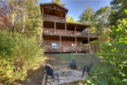 CHEROKEE SUNSET: 4BR/3BA, Luxury Cabin, Sleeps 8, Hot Tub, Dog Friendly, Fire-Pit, 2 Gas Log Fireplaces, Jacuzzi Tub, Motorcycle Friendly, Mountain View, Paved Access, Pool Table, Screened Porch, Secluded Wood View, starting at $220 a night