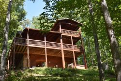 CREEKSIDE ESCAPE:  Starting at $165/NIGHT