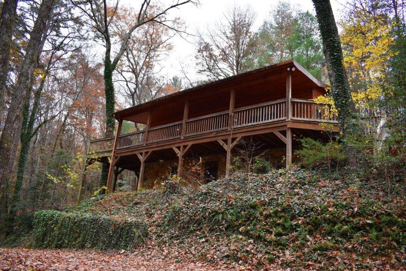 Misty Lake Lodge | Located in Cherry Log | North GA Cabin Rental