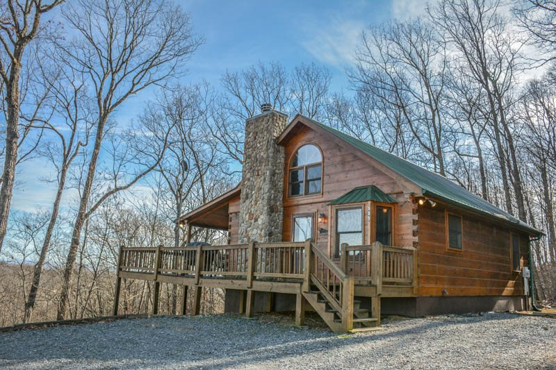 HIS PLACE-Located 10 minutes from Blue Ridge, Ga ,sitting on