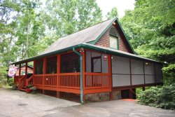 ROOSTERS ROOST - Starting At $149/Night!