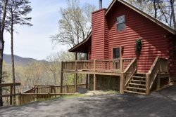A BIRDS EYE VIEW- 2Br/3Ba, WIFI, Wood Burning Fireplace, Hot Tub, Pet Friendly, Small Fenced In Area! Only $108 a Night!