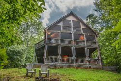 CRIMSON BEAR MOUNTAIN - Starting At $135/Night!
