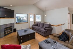 Boulder Brook townhouse with reverse living for great views moments to the Dry Canyon Trail