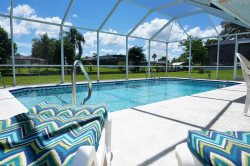 2/2 Vacation Home with Solar Heated Pool on Gulf Access