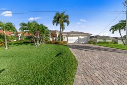 Endless Summer - 4/4, gulf access, pool and spa with electric heater, boat dock w/lift