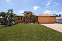 La Bella Casa - 4 Bedrooms, 3 Baths, Heated Pool and Spa, Gulf Access, Tiki Hut, Dock