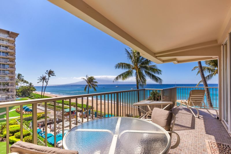 The Whaler 401 Ocean Front One Bedroom Vacation Condo With Two Bathrooms Located At The Whaler On Kaanapali Beach 2481 Kaanapali Parkway Lahaina Maui Hawaii The Whaler Vacation Rental Program By