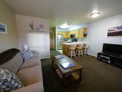 1 Bedroom Condo next to Pool and Hot Tub and Club House