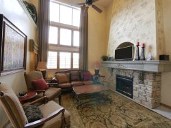 Cascades Townhome C402 - 5 Bedrooms with 2 Master Suites and pool table