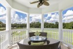 Head out to the balcony to enjoy outdoor fans and comfortable outdoor relaxation furniture