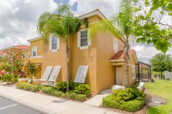 Beautiful 4 Bedroom Home, Near Clubhouse, Backs Onto Lake, Only Minutes From Disney
