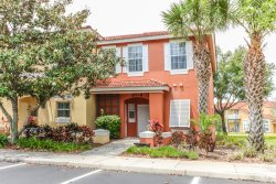 Beautiful 3 Bedroom Home Located In Gated Resort Community Only 3 Miles From Disney