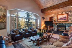 Ski-In Ski-Out Access 6-Bedroom 6.5-Bath Luxury House with Four Master Suites & Winter VIP In-Town Shuttle Service
