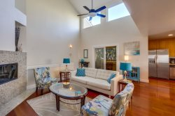 Inga`s Quiet Sail Bay Townhome