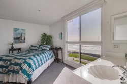 Suite 1 - 1 queen bed with amazing ocean views.