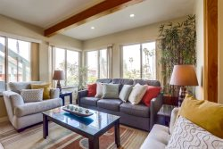 This lovely home is in a nice and quiet neighborhood in N. Pacific Beach