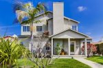 The Grande House in Sunset Cliffs: 3 bed with den, 3 bath, sleeps 8