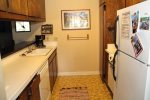 Mammoth Lakes Vacation Rental Sunshine Village 168 - Fully Equipped Kitchen
