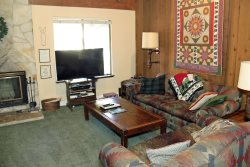 Sunshine Village Mammoth Lakes Condo #168 / WIFI Internet Access / Centrally Located in Town, Near Eagle Lodge Shuttle Stop and The Sierra Star Golf Course