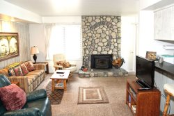 Sunshine Village Mammoth Lakes Condo #135 / WIFI Internet Access / Centrally Located in Town, Near Eagle Lodge Shuttle Stop and The Sierra Star Golf Course